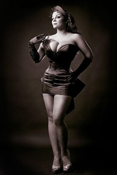 борту фото модели марии зарринг короткие пышные пряди