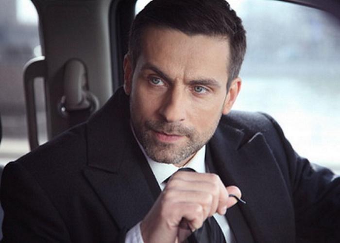 Как живет звезда российских сериалов Илья Шакунов актер,Илья Шакунов,наши звезды,развлечение,фильм,шоубиz,шоубиз