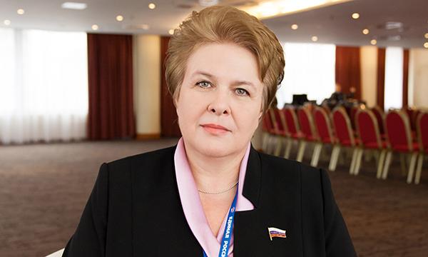 Российских женщин всегда отличали щедрость души, преданность и самопожертвование – Окунева
