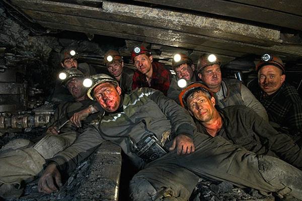 На оккупированной территории ЛНР обесточены две шахты, под землей остаются около 200 человек