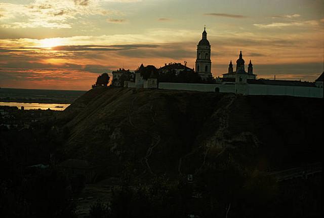 Единственный каменный кремль в Сибири, который является уникальным образцом сибирского зодчества.