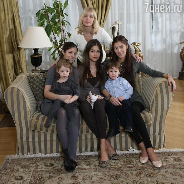 вера глаголева фото с детьми