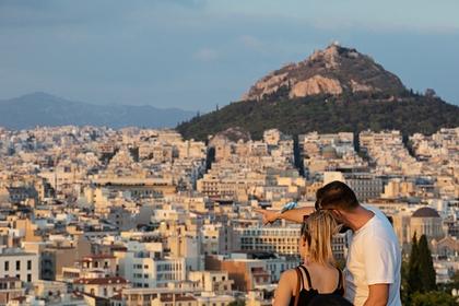 В Грецию начали пускать больше россиян