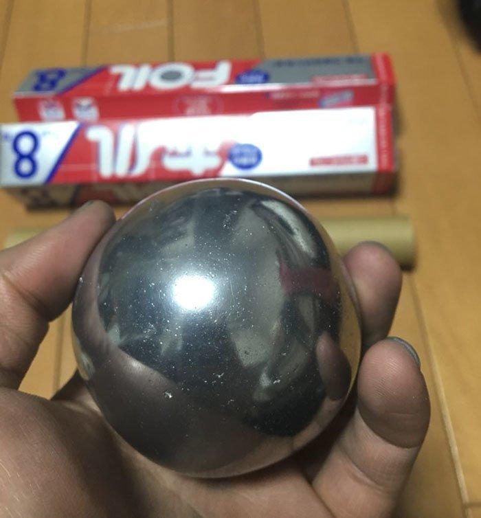 Японцы вовсю полируют шары … из алюминиевой фольги в мире, очумелые ручки, фольга, шары, япония
