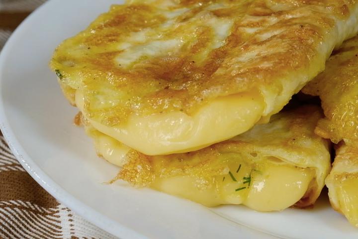 Лаваш с сыром в яйце за 5 минут закуски,кулинария