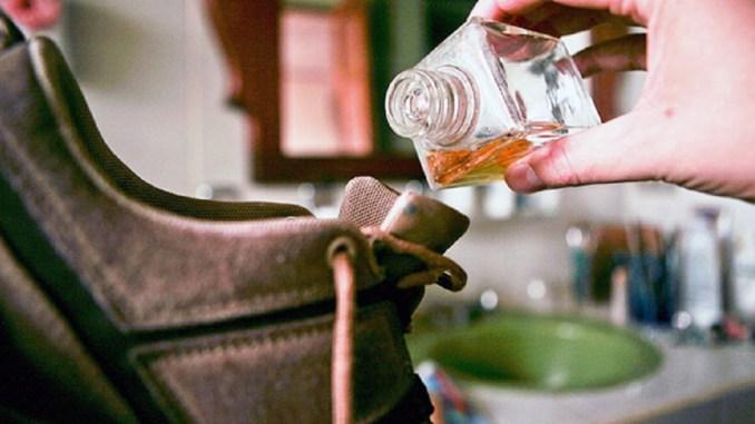 6 трюков, с которыми ты забудешь о проблеме неприятного запаха из обуви.