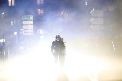 Полицейские разогнали карнавал слезоточивым газом Мир