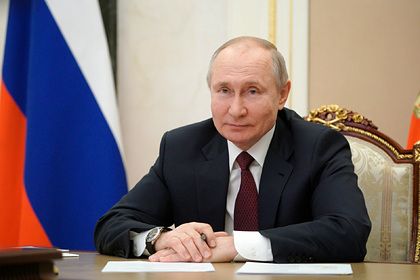 Путин впервые прокомментировал свою вакцинацию от коронавируса Россия