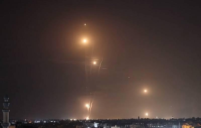 Вслед за атаками ХАМАСа по Израилю запустили ракеты из Ливана