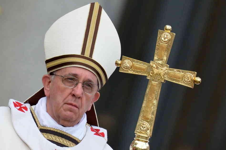 """Граждане Украины - папе римскому: """"Насилие творят ваши подданные"""""""