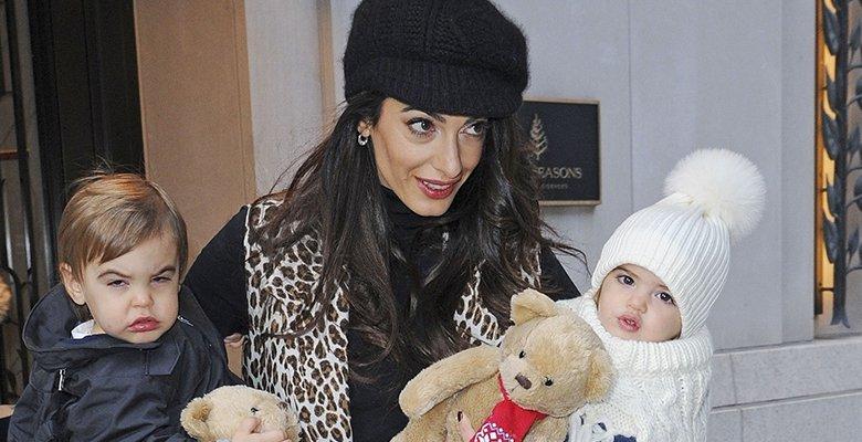 Амаль Клуни показала близнец…