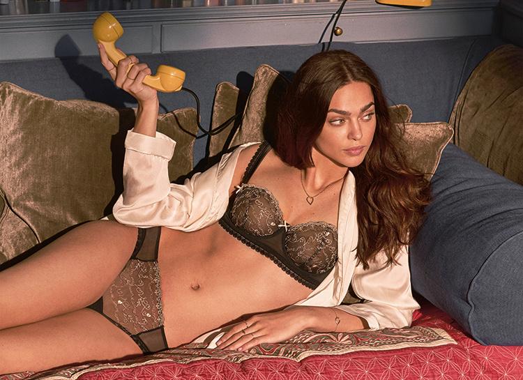 На домашнем: Женя Катава в лукбуке к 14 февраля Мода / Новости моды