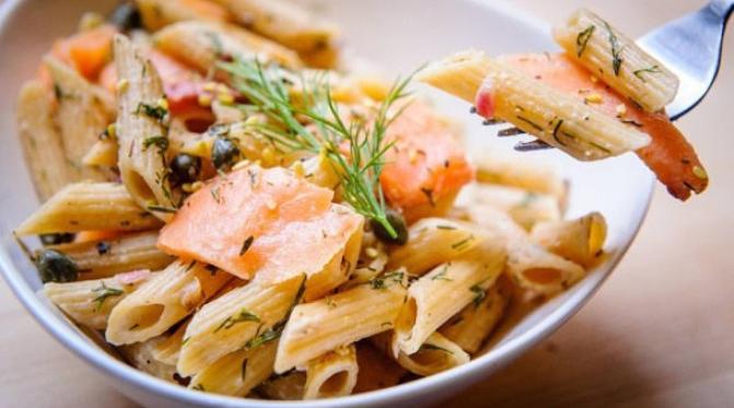 Паста с лососем. 2 рецепта. Фото Wow Phochiangrak с сайта Pixabay .