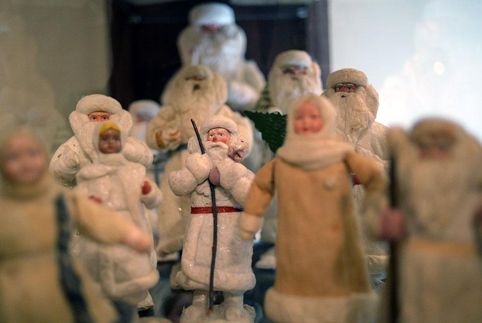 Увлекательная и богатая история новогодних игрушек елка