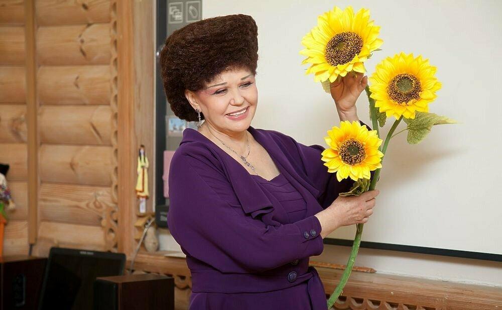 Женщина-герой Валентина Петренко: когда прическа затмевает личность Валентина Петренко,знаменитости,красота,мода и красота,прически,стиль жизни