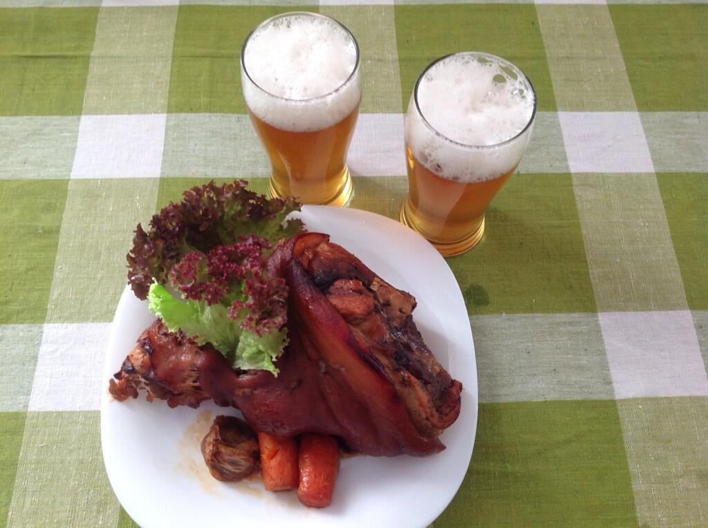 Айсбайн (Айсбан) — традиционное немецкое блюдо