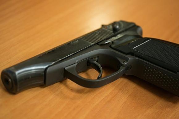 В Петербурге мужчина прострелил жене голову, поскольку «она сама об этом просила»
