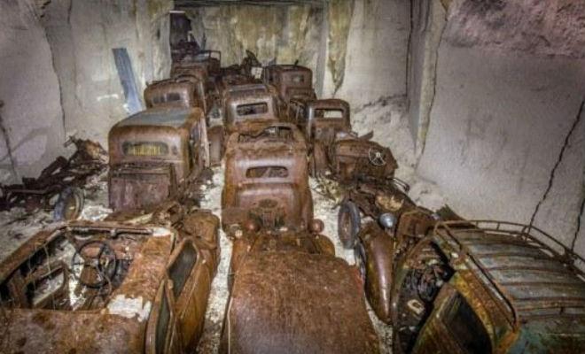 Машины спрятали в шахте и забыли про них на 75 лет: тайник случайно нашел обычный турист