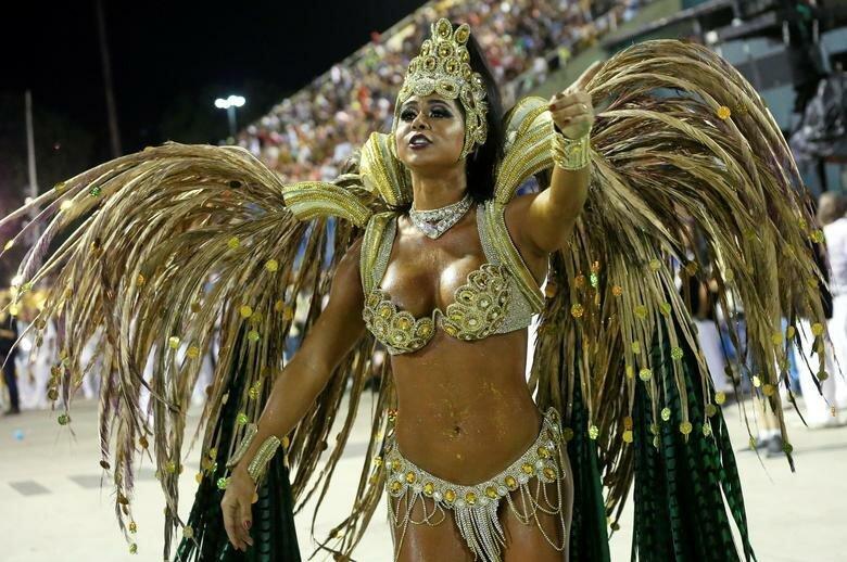 Королева барабанов школы - Флавия Лира бразилия, в мире, карнавал, события, фото, фотоотчет, фоторепортаж