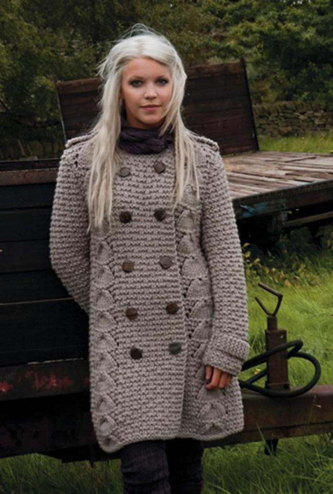 Уютное вязаное пальто сезона 2018: модные и оригинальные фасоны под любую фигуру