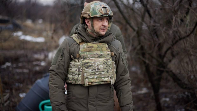 Зеленский впервые за новейшую историю Украины освободил осужденных военных Политика