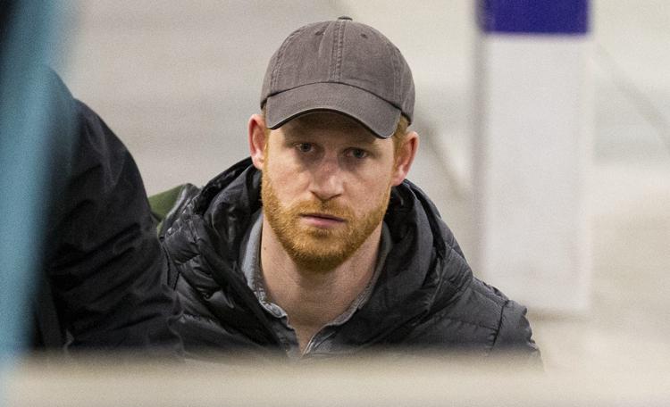 """Подруга принца Гарри рассказала про его новую жизнь: """"Сейчас он находит свое положение немного сложным"""" Монархи,Британские монархи"""