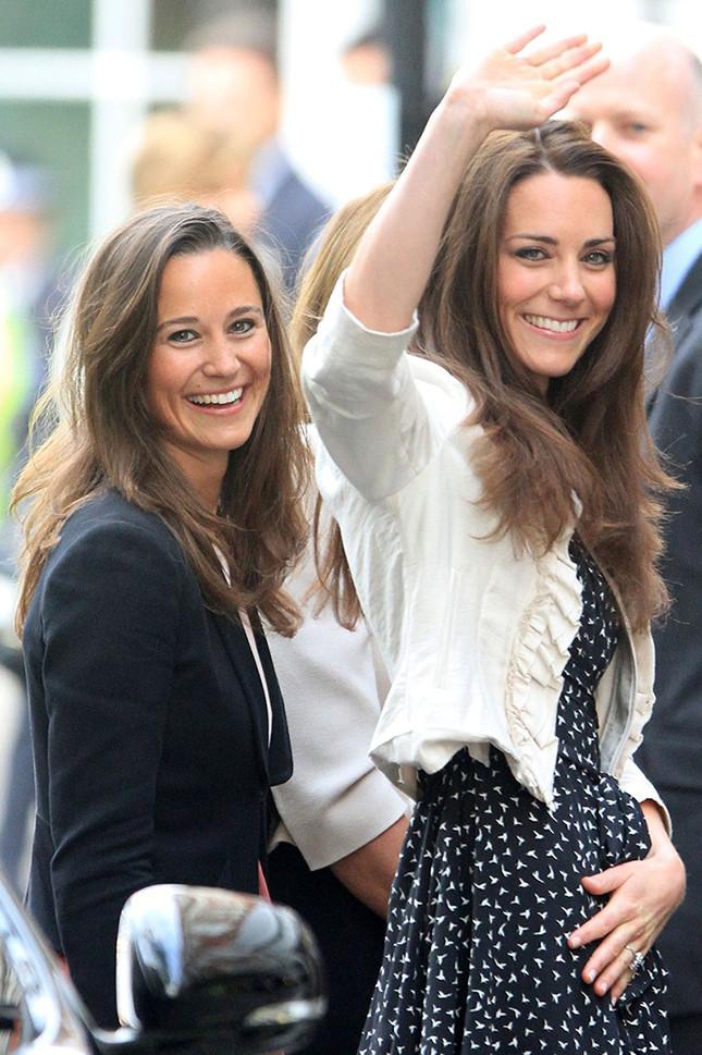 Как две капли: модные сестры, которых иногда невозможно различить