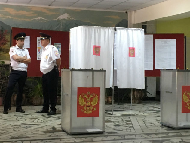 Явка на выборах на местах достигла 100%