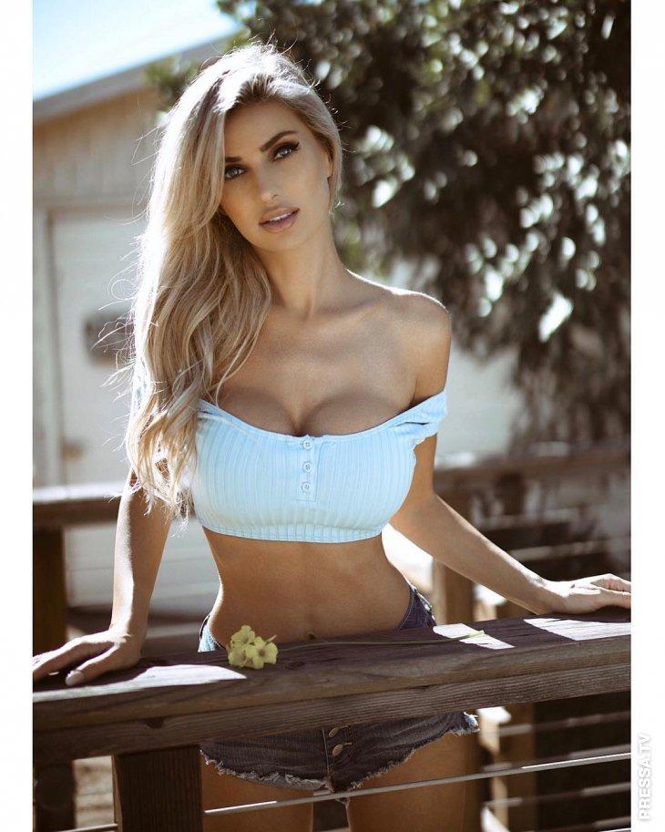 Модель Линна Бартлетт - Девушка Дня