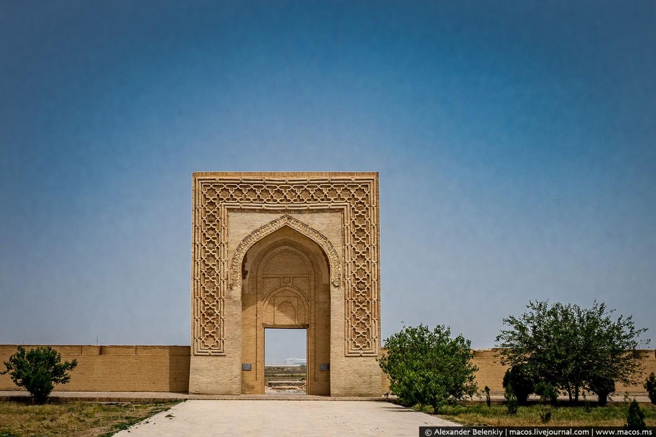 Гастарбайтеры Средней Азии вернулись и устроили строительный бум у себя дома дальние дали