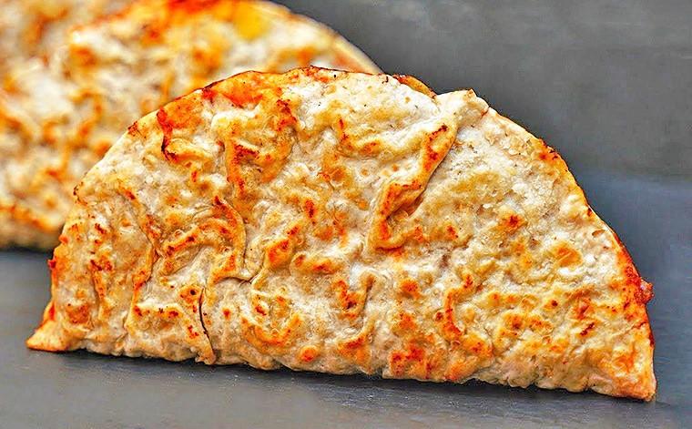 Лепешки с фаршем и сыром на сковороде