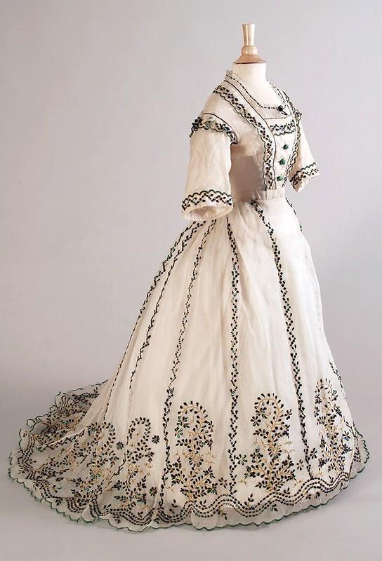 Викторианцы, жук и мода жуков, сделанные, усеивали, естественной, только, миллиона, искусство, надкрылья, чтобы, прически, Леопольда, живым, мерцающими, светлячками, булавкам, привязанным, жукам, бродить, позволяли, Королевский