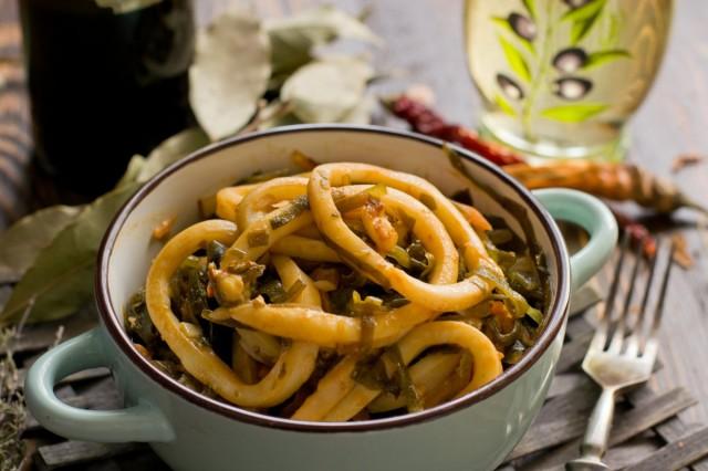 Кальмары по-корейски - вкусный салат из морепродуктов