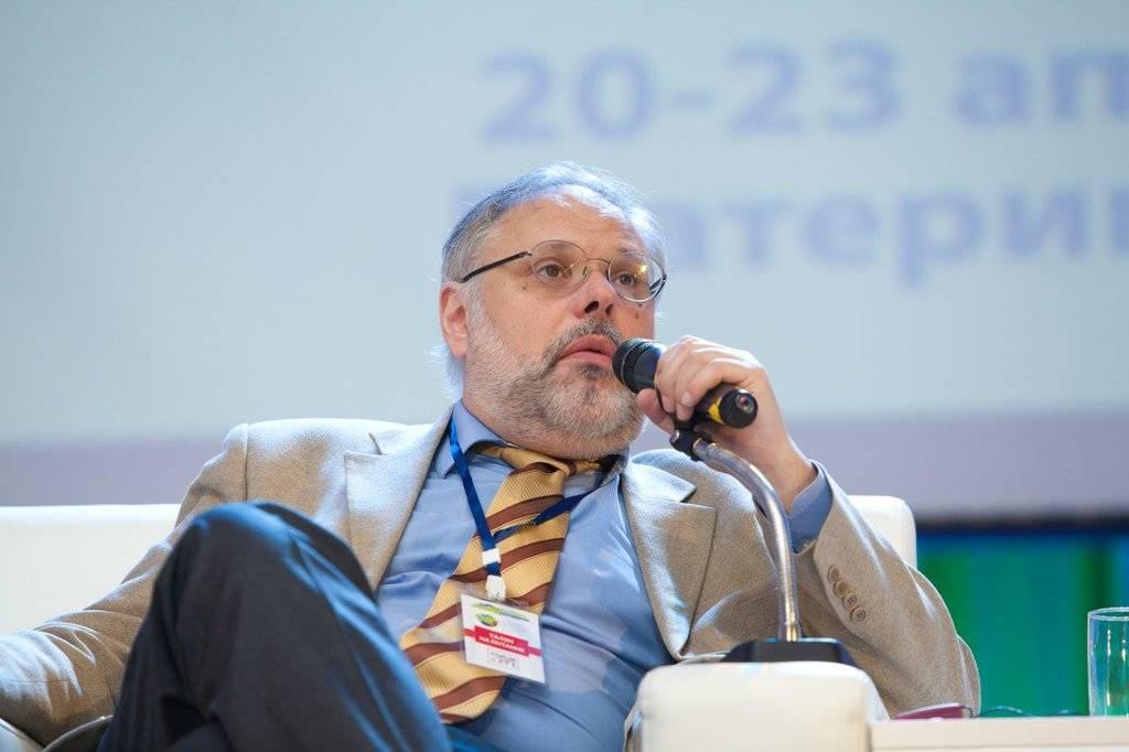 Хазин предрек крайне негативный сценарий для экономики России