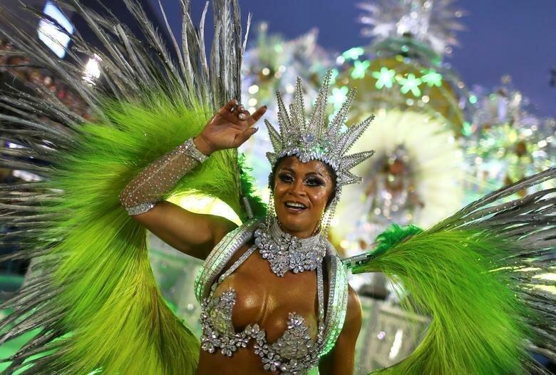 Участники школы Imperatriz Leopoldinense бразилия, в мире, карнавал, события, фото, фотоотчет, фоторепортаж