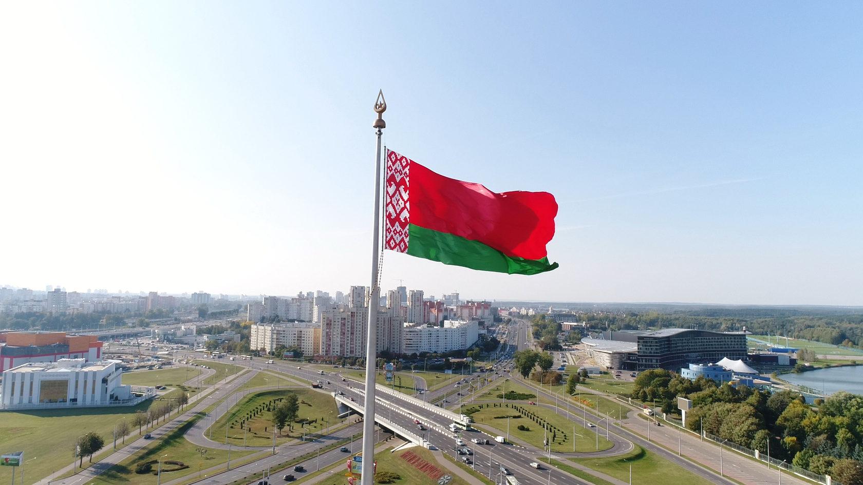 Потуги Белоруссии спасти экономику привели к завалу продовольственных складов Белоруссия,Кризис,Лукашенко,Экономика,Мир