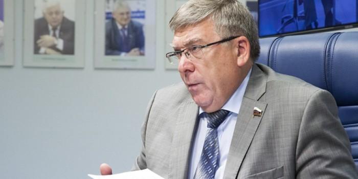 В Совете Федерации посоветовали голодающей 70-летней пенсионерке найти работу