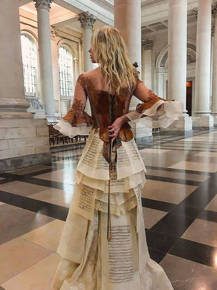 Француженка Sylvie Facon создает платья, которые поражают даже видавших виды людей, фото № 11