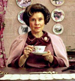"""Почему нельзя пить чай с """"плохим"""" человеком"""