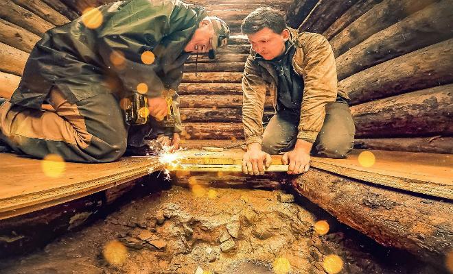 Мужчины построили отапливаемый подземный дом в лесу и сняли процесс на видео