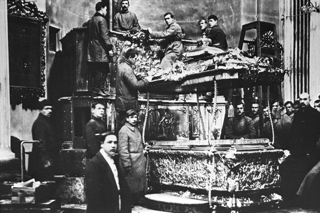«Вскрытие покажет!» Как большевики устроили проверку мощам святых