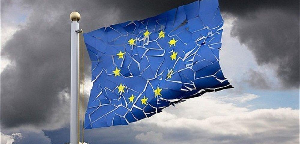 Брюссель выдвинул Польше и Венгрии ультиматум: или принимайте больше мигрантов, или вон из ЕС!