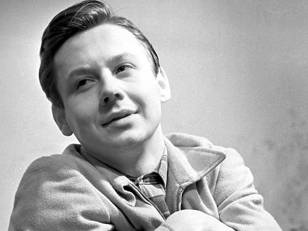 Первая любовь Олега Табакова из-за инсультане смогла приехать на прощание с ним