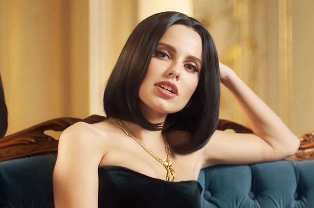 """Дарья Клюкина представила свой дебютный клип на песню """"Не так как у всех"""""""