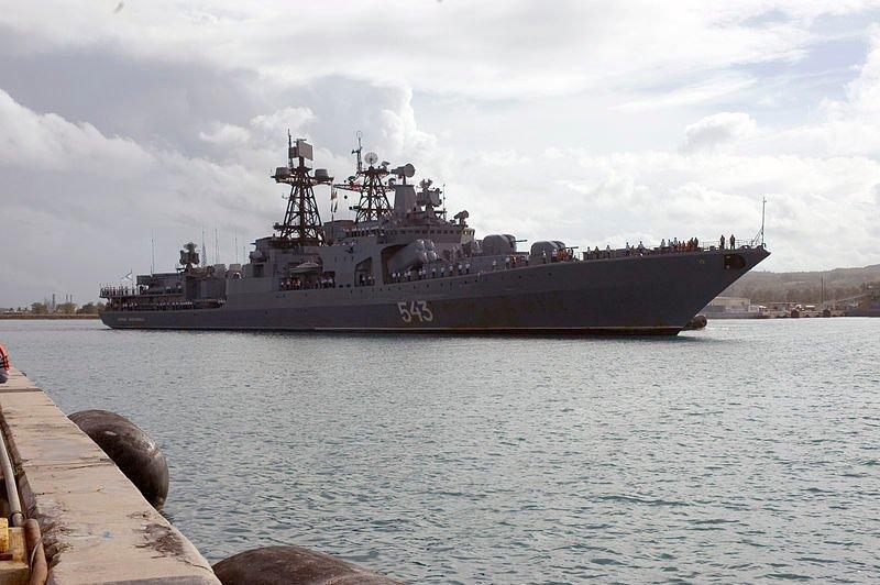ВМФ России провели боевые стрельбы в красном море. На учения были приглашены сомалийские пираты ВМФ России, красное море, пираты