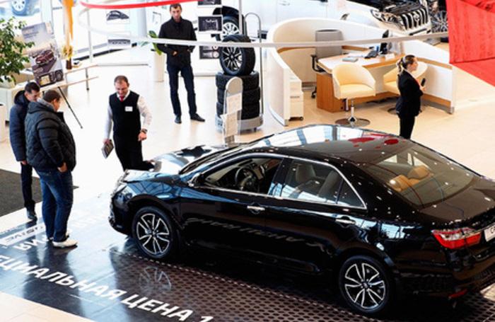 Гонка за ценами. Стоит ли поторопиться с покупкой автомобиля?