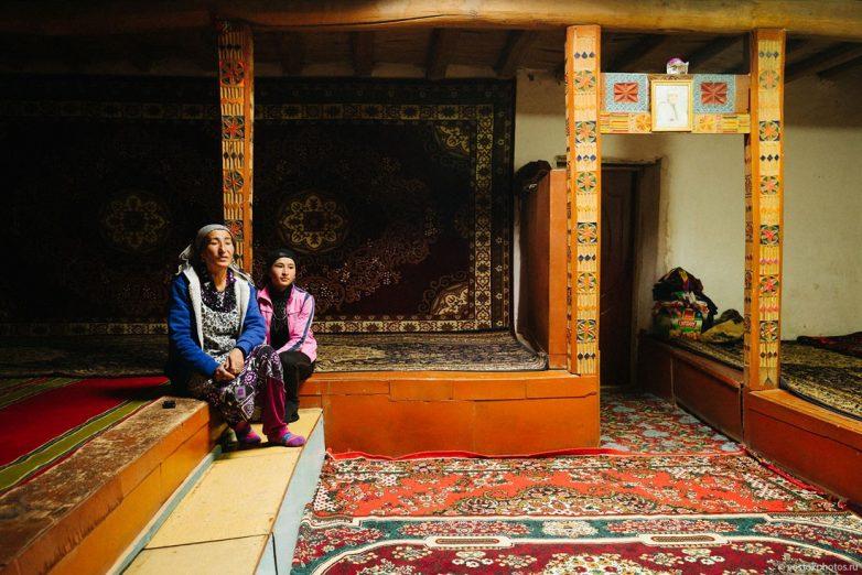 Из первых уст: будни гостеприимного Таджикистана Давладбек, таджики, когда, Давладбека, может, Россию, работу, мельницу, очень, семье, можно, чтобы, России, который, хорошо, имеет, работы, крепости, только, дождь