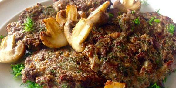 Рубленые котлеты из куриной печени и грибов