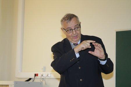 Австрийский академик Ненад Иняц «снял шапку» перед российским полицейским Тимофеевым….