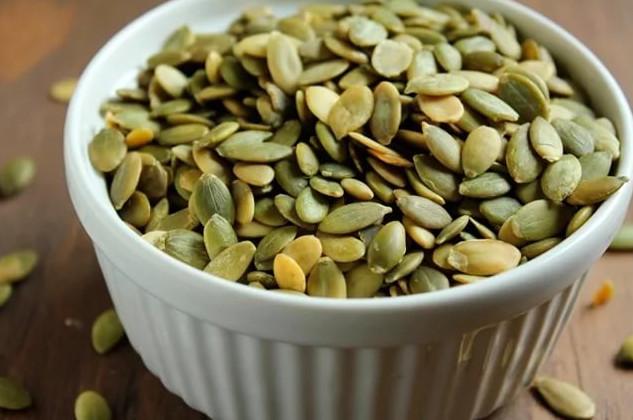 Вот как нужно употреблять семена тыквы, чтобы избавиться от холестерина, паразитов, запоров и не только...